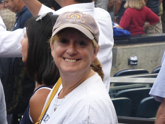 Lois - Yankee cap