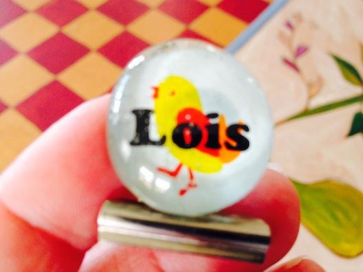 Lois pin