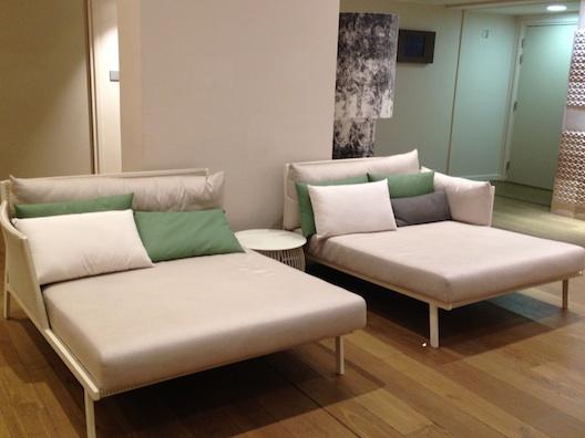 Renaissance Aix lounges