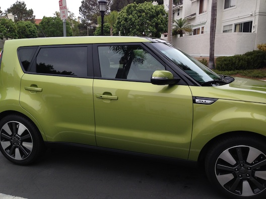 The kia soul proves its easy to be green kia soul side sciox Choice Image