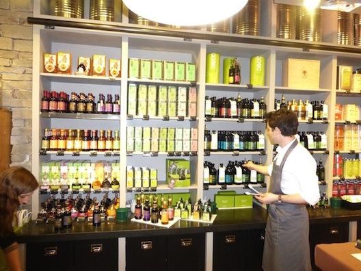 Le Food Tour - olive oil