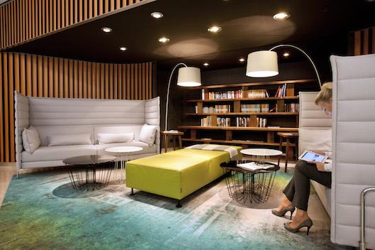 Swissotel Berlin library