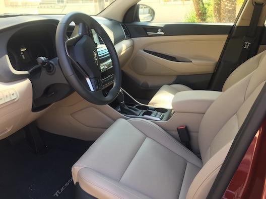 Hyundai Tucson front interior